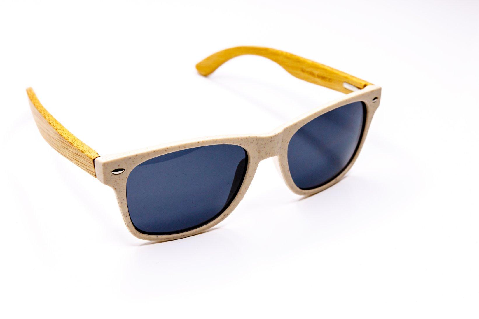 Okulary słoneczne z logo firmy